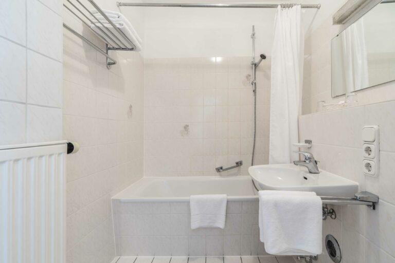 Herzogstand Doppelzimmer Badezimmer