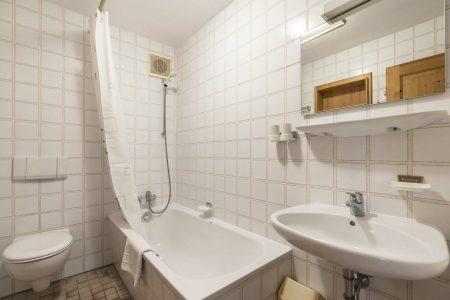 Hotel Herzogstand Ferienwohnung Badezimmer